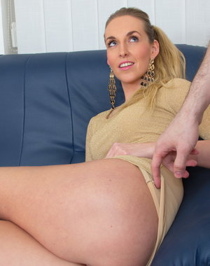 Hot MOM getting it in POV style
