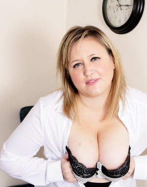 Chubby British housewife playing alone