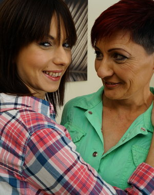 Two naughty old and young lesbians have fun