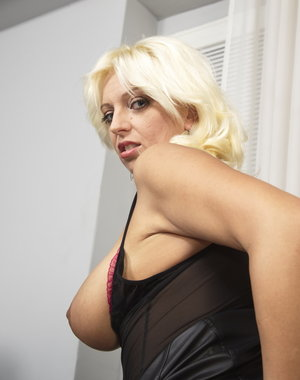Horny blonde housewife getting it in POV style