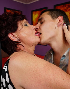 Chubby mature lady playing with her younger lover