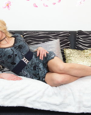 Hot steamy MILF doing her toy boy