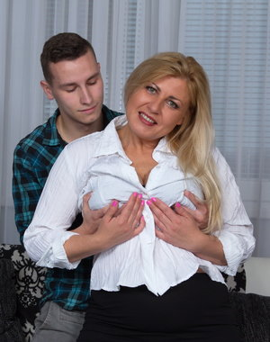 This chubby mature lady loves to play around with her toyboy