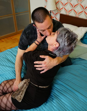 Horny mature lady doing her way younger lover